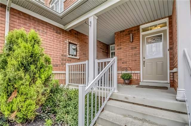 Townhouse at 72 Limeridge St, Aurora, Ontario. Image 12