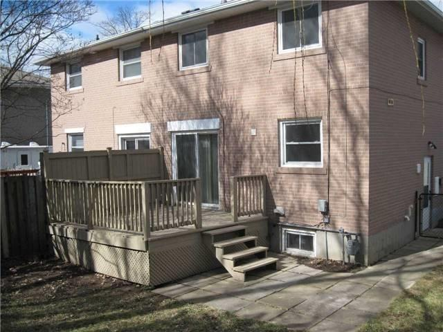 Semi-detached at 206 Penn Ave, Newmarket, Ontario. Image 7