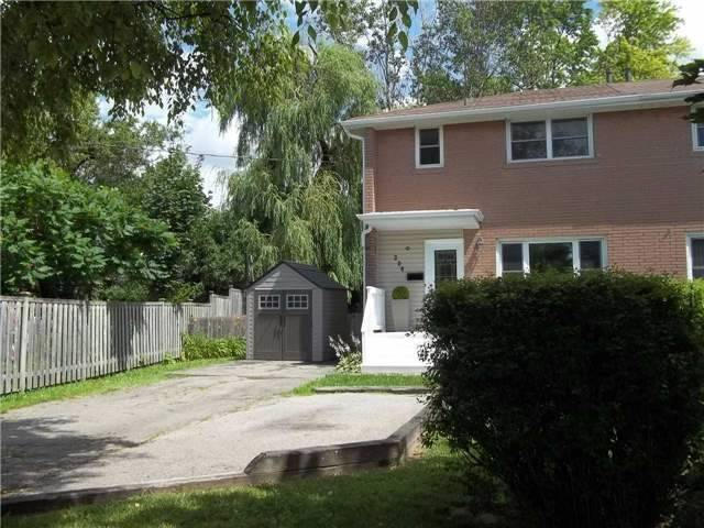Semi-detached at 206 Penn Ave, Newmarket, Ontario. Image 11