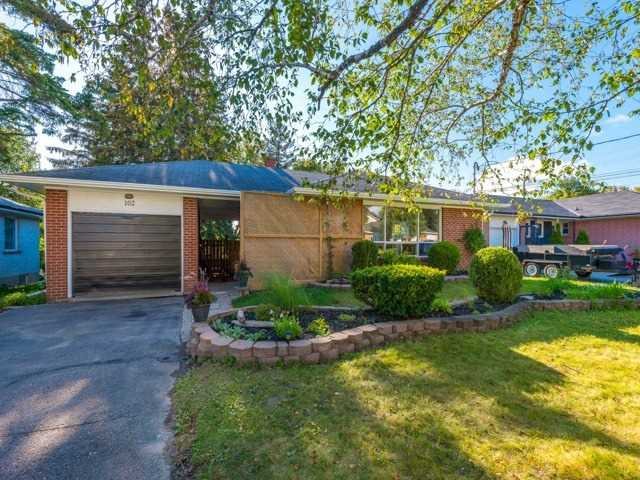 Detached at 102 Baker St, Whitchurch-Stouffville, Ontario. Image 16