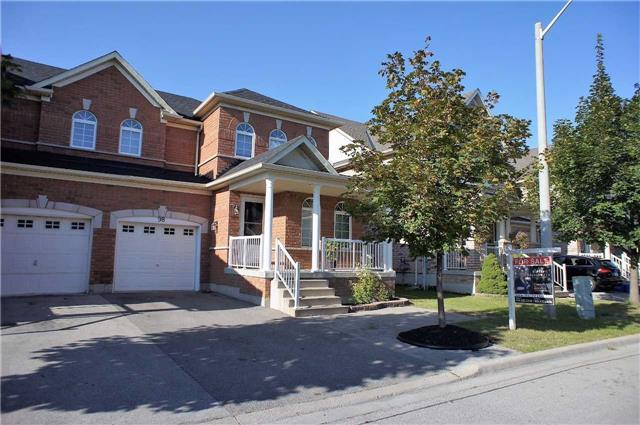 Semi-detached at 98 Hollywood Hill Circ, Vaughan, Ontario. Image 1
