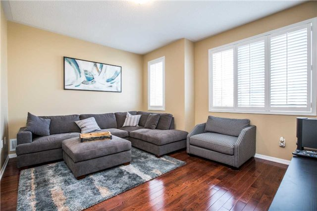 Semi-detached at 48 Ken Laushway Ave, Whitchurch-Stouffville, Ontario. Image 11