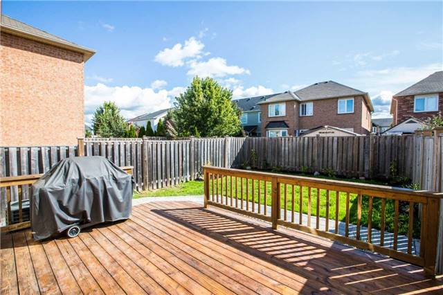 Semi-detached at 48 Ken Laushway Ave, Whitchurch-Stouffville, Ontario. Image 4