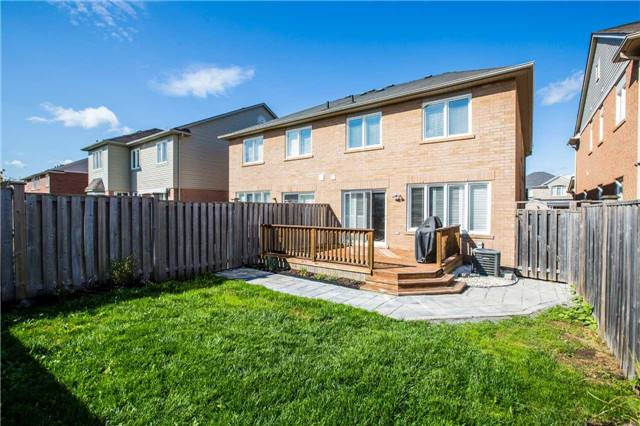 Semi-detached at 48 Ken Laushway Ave, Whitchurch-Stouffville, Ontario. Image 6