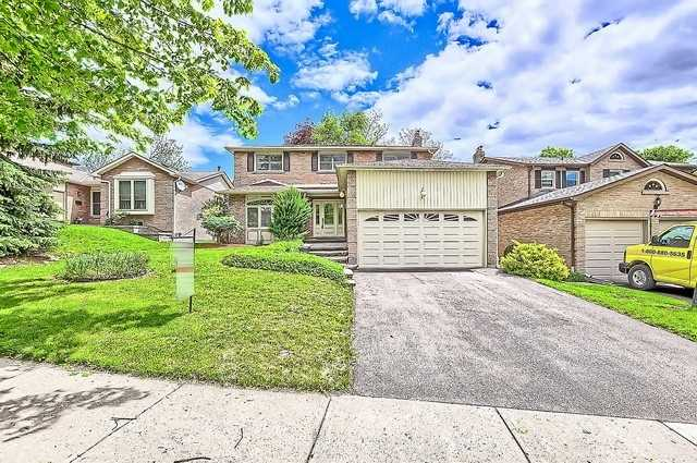 Detached at 365 Erin Tr, Newmarket, Ontario. Image 1