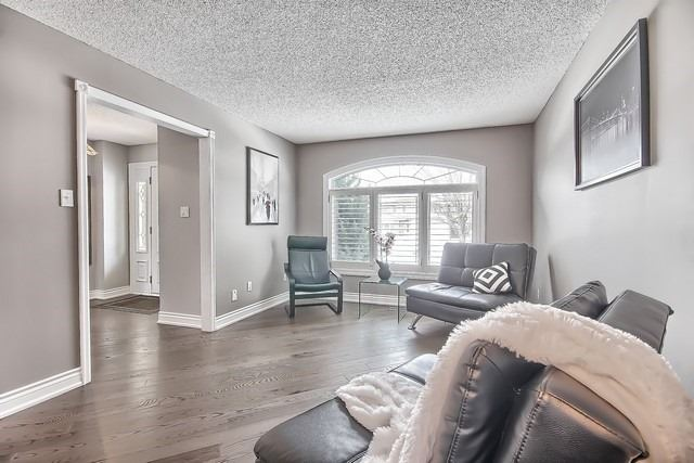 Detached at 365 Erin Tr, Newmarket, Ontario. Image 18
