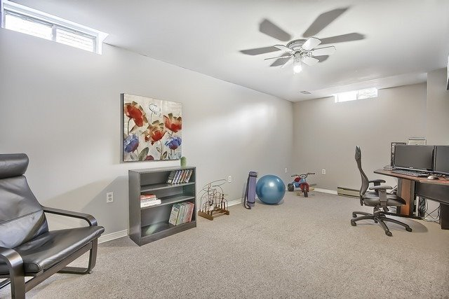 Detached at 365 Erin Tr, Newmarket, Ontario. Image 10