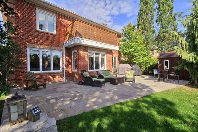 Detached at 351 Fairway Gdns, Newmarket, Ontario. Image 11