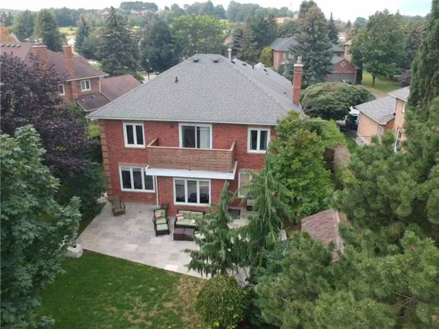 Detached at 351 Fairway Gdns, Newmarket, Ontario. Image 13