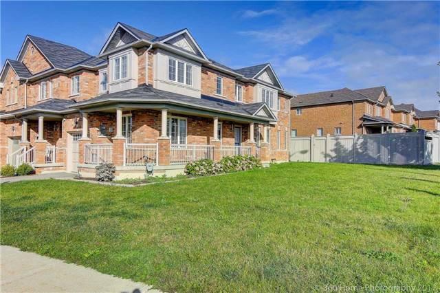 Townhouse at 14 Keystar Crt, Vaughan, Ontario. Image 14