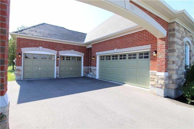 Detached at 15 Wolford Crt, Georgina, Ontario. Image 1