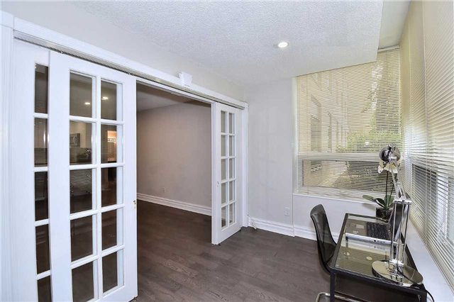 Condo Apartment at 326 Major Mackenzie Dr E, Unit 108, Richmond Hill, Ontario. Image 2