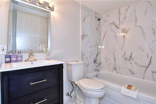 Condo Apartment at 326 Major Mackenzie Dr E, Unit 108, Richmond Hill, Ontario. Image 3
