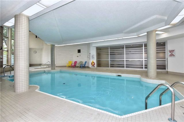 Condo Apartment at 326 Major Mackenzie Dr E, Unit 108, Richmond Hill, Ontario. Image 4