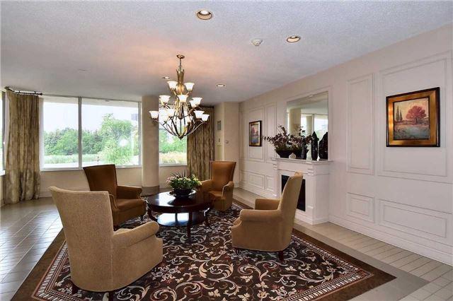 Condo Apartment at 326 Major Mackenzie Dr E, Unit 108, Richmond Hill, Ontario. Image 11