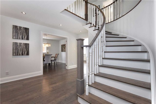Detached at 59 Southgate Cres, Richmond Hill, Ontario. Image 5