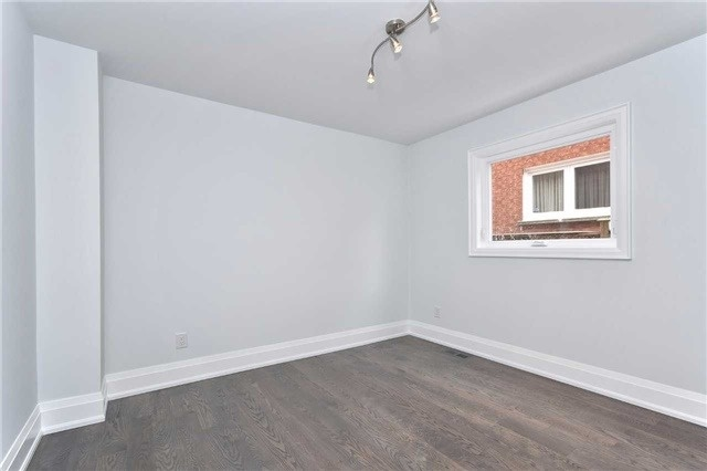 Detached at 59 Southgate Cres, Richmond Hill, Ontario. Image 8