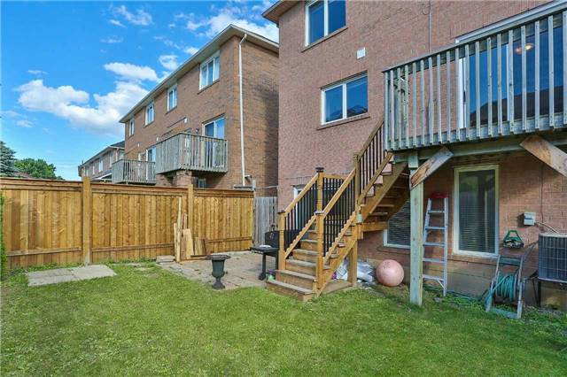 Semi-detached at 36 Madeira Ave, Vaughan, Ontario. Image 9