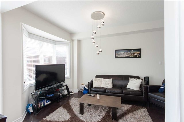 Townhouse at 14 Collin Crt, Richmond Hill, Ontario. Image 18
