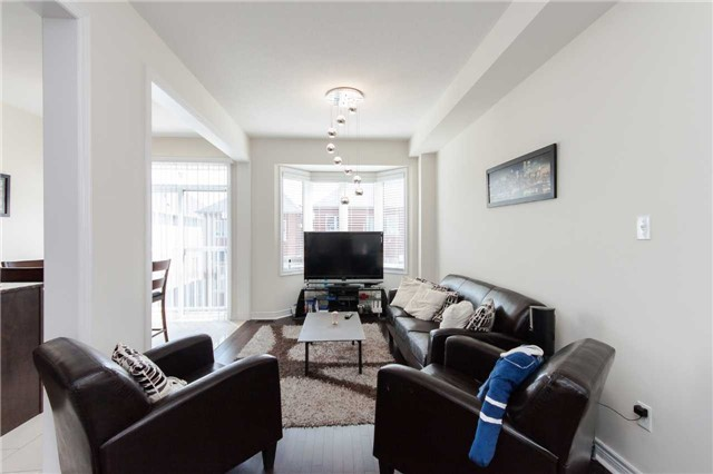Townhouse at 14 Collin Crt, Richmond Hill, Ontario. Image 19