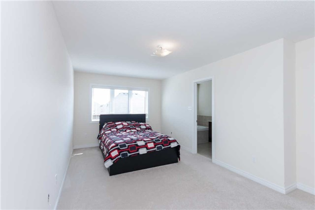 Townhouse at 14 Collin Crt, Richmond Hill, Ontario. Image 6