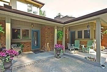 Detached at 16365 Bathurst St, Newmarket, Ontario. Image 17