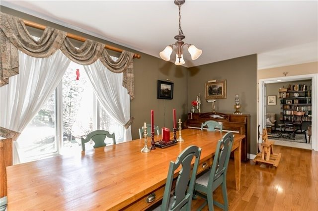 Detached at 5946 12th Line, New Tecumseth, Ontario. Image 14