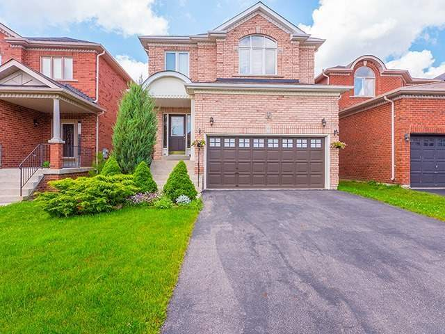 Detached at 22 Sandy Point Dr, Richmond Hill, Ontario. Image 1