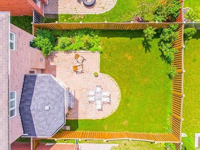 Detached at 22 Sandy Point Dr, Richmond Hill, Ontario. Image 13