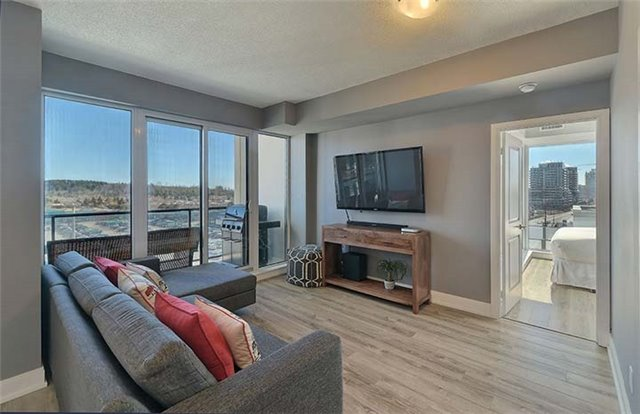 Condo Apartment at 9600 Yonge St, Unit 702, Richmond Hill, Ontario. Image 13