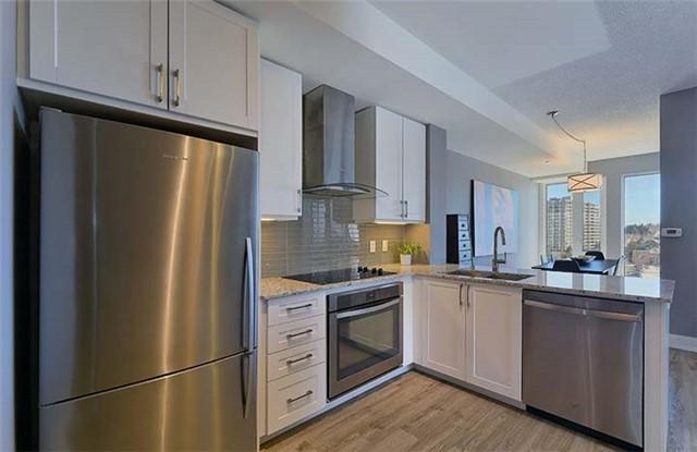 Condo Apartment at 9600 Yonge St, Unit 702, Richmond Hill, Ontario. Image 19