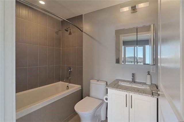 Condo Apartment at 9600 Yonge St, Unit 702, Richmond Hill, Ontario. Image 7
