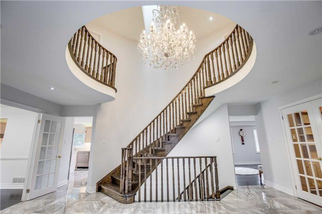 Detached at 12 Harrowsmith Pl, Richmond Hill, Ontario. Image 12