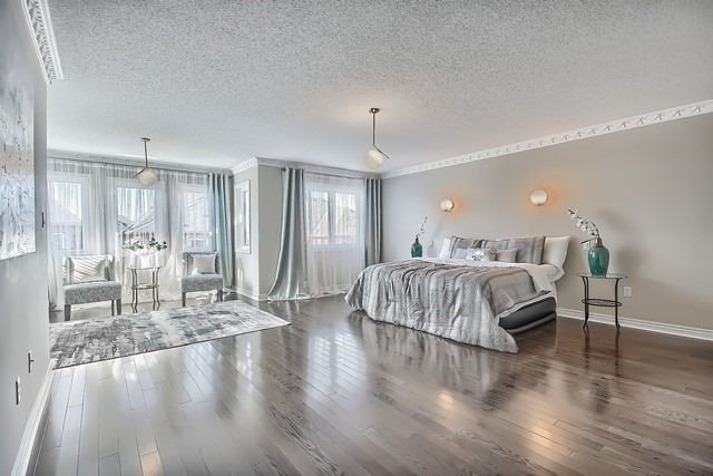 Detached at 70 Vivaldi Dr, Vaughan, Ontario. Image 3