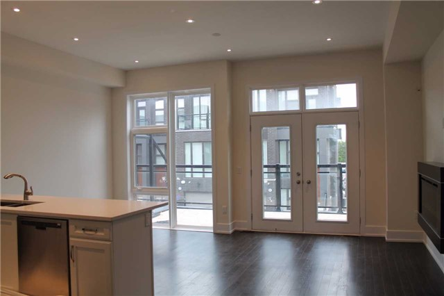 Townhouse at 9174 Bathurst St, Vaughan, Ontario. Image 4
