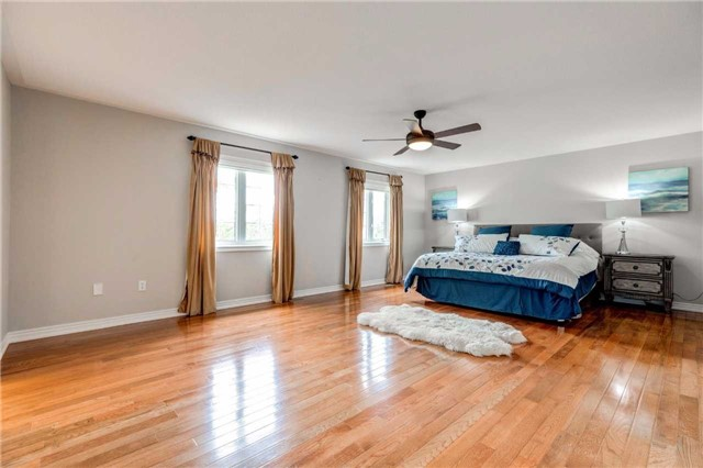 Detached at 88 Skywood Dr, Richmond Hill, Ontario. Image 7