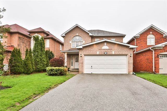 Detached at 102 Owl Ridge Dr, Richmond Hill, Ontario. Image 1