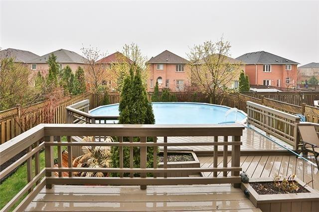 Detached at 102 Owl Ridge Dr, Richmond Hill, Ontario. Image 11