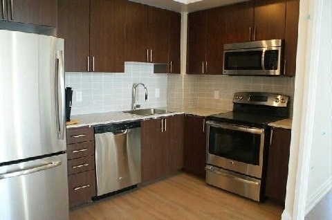 Condo Apartment at 7171 Yonge St, Unit 1115, Markham, Ontario. Image 4