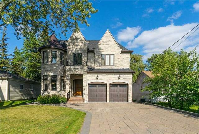 Detached at 225 Lawrence Ave, Richmond Hill, Ontario. Image 1