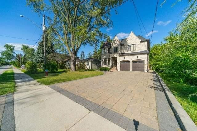 Detached at 225 Lawrence Ave, Richmond Hill, Ontario. Image 12
