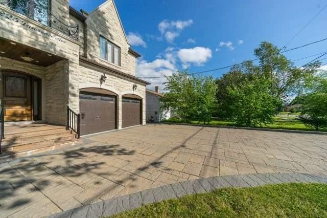 Detached at 225 Lawrence Ave, Richmond Hill, Ontario. Image 14