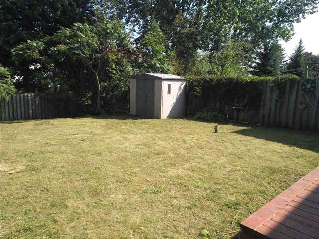 Detached at 1921 Applewood Ave, Innisfil, Ontario. Image 3
