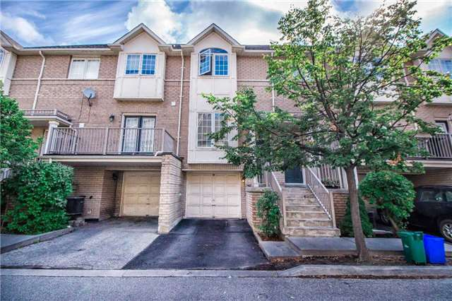Condo Townhouse at 23 Observatory Lane, Unit 127, Richmond Hill, Ontario. Image 1