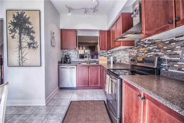 Condo Townhouse at 23 Observatory Lane, Unit 127, Richmond Hill, Ontario. Image 17
