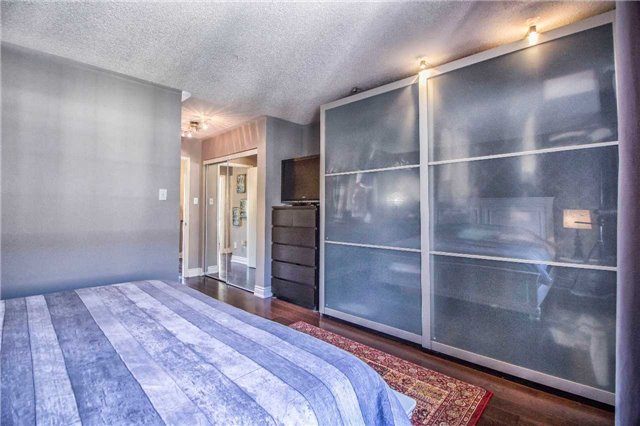 Condo Townhouse at 23 Observatory Lane, Unit 127, Richmond Hill, Ontario. Image 5