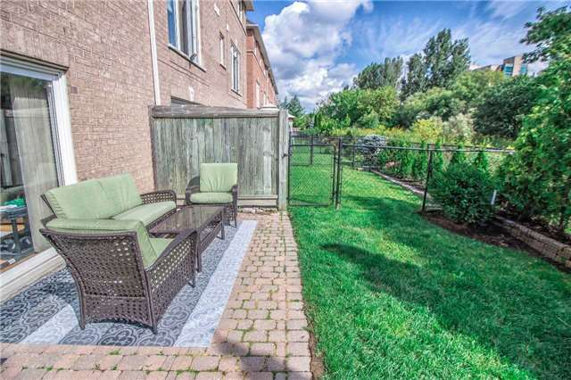 Condo Townhouse at 23 Observatory Lane, Unit 127, Richmond Hill, Ontario. Image 11