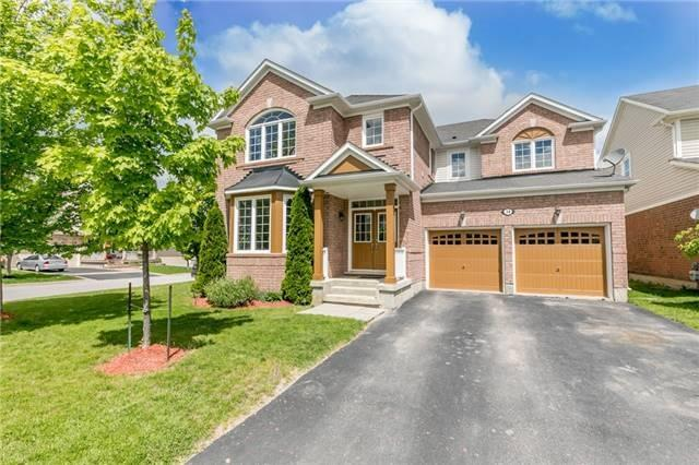 Detached at 34 Dunning Dr, New Tecumseth, Ontario. Image 1