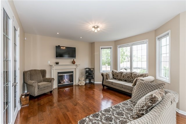 Detached at 34 Dunning Dr, New Tecumseth, Ontario. Image 18