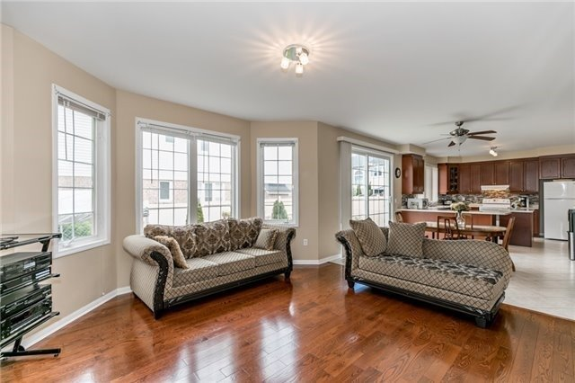 Detached at 34 Dunning Dr, New Tecumseth, Ontario. Image 19